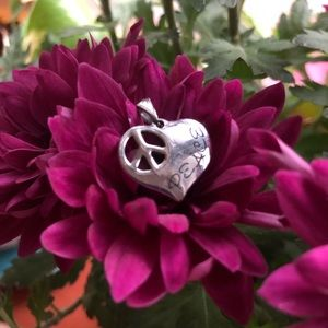 Jewelry - Hallmark sterling silver piece heart pendant